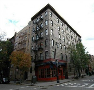 NYC-apartment-exterior-used-on-Friends-TV-Show