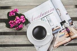 noviny+kavaä